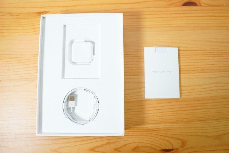 iPad 第7世代10.2インチの内容物
