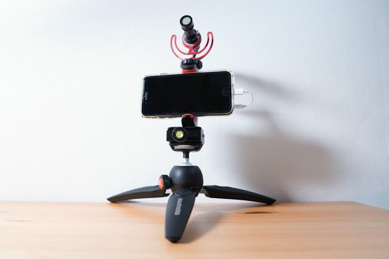 マンフロット スマートフォン用三脚アダプター取り付けイメージ