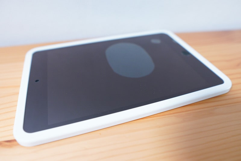 iPad mini用のNimasoのガラスフィルムの気泡